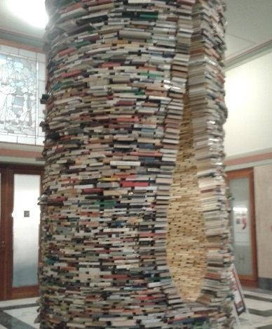 'Idiom' book tower at the Prague Municipal Library